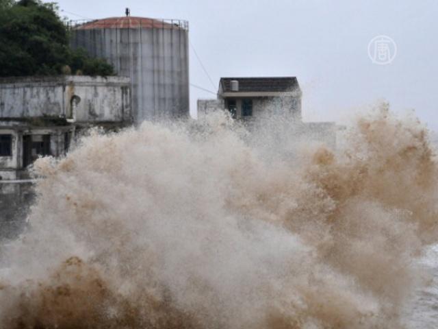 На Китай обрушился тайфун «Фитоу», есть жертвы