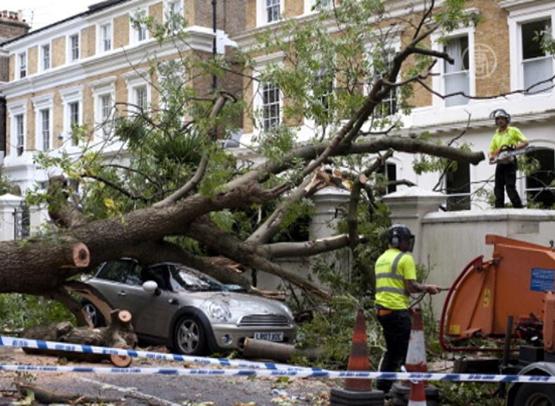 Лондон оправляется от сильнейшего за 10 лет шторма