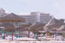 Взрыв на курорте подрывает экономику Туниса