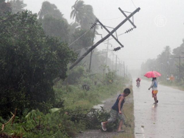 На Филиппины обрушился супер-тайфун «Хайян»