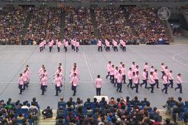 Японцы показали синхронную ходьбу