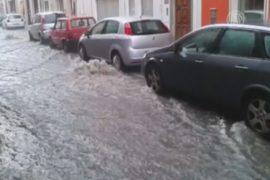 Сотни жителей Сардинии бегут от циклона