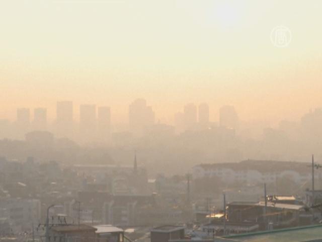 Сеул накрыло смогом из Китая