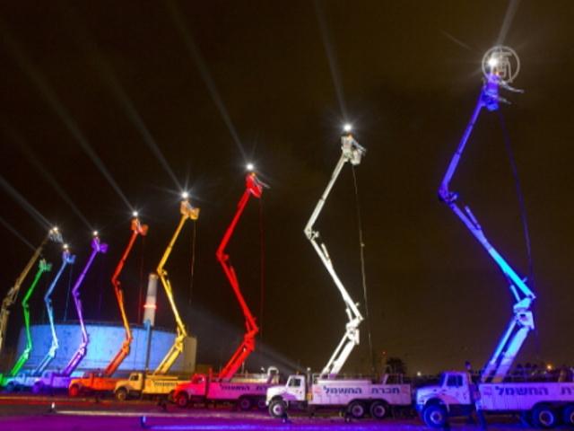 В Тель-Авиве сымитировали гигантский «канделябр»