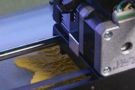 3D-принтер печатает слепым детям любые предметы