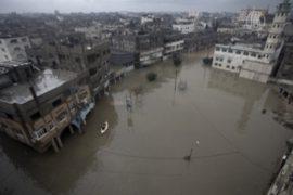 Ближний Восток затоплен и засыпан снегом