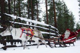 Санта-Клаус уже выехал к детям с подарками