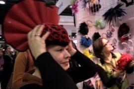 Фантастические шляпы сделали дизайнеры из Алматы