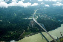 Лидер Панамы пообещал завершить Панамский канал