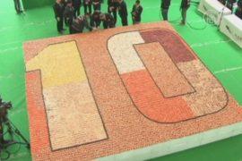 Самую большую мозаику из суши выложили в Гонконге