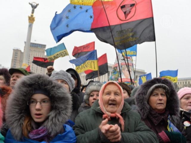 Украинцы вышли на Майдан против новых законов