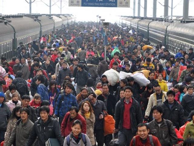 Половина Китая отправилась в дорогу