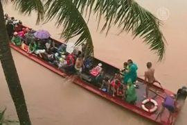 Из-за наводнения на Филиппинах эвакуируют людей