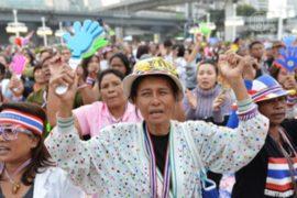 Оппозиция: режим ЧП в Бангкоке не нужен