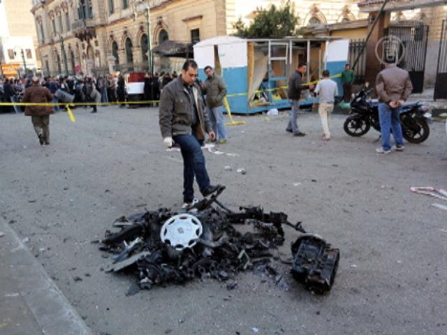 В центре Каира взорвали автомобиль, есть жертвы