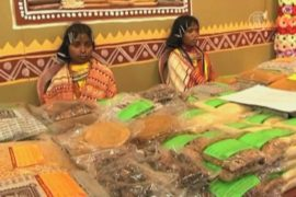 Ярмарка племён в Индии завлекает деликатесами
