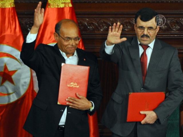 Тунис принял демократическую конституцию