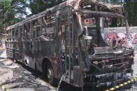 В Сан-Паулу продолжают поджигать автобусы