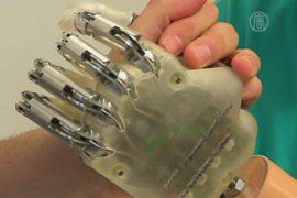 Новый бионический протез «научили» осязать