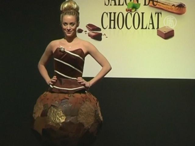 Шоколадные платья покорили подиум в Брюсселе