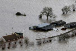 Наводнение подбирается к Лондону