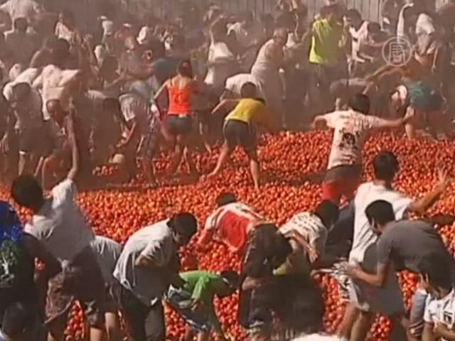Перестрелку помидорами устроили в Чили
