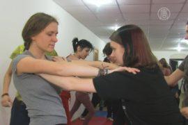 Женская сотня проводит тренировки