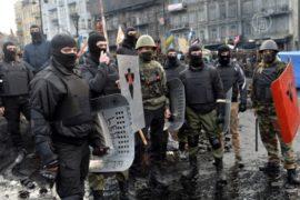 На Майдане сохраняется напряженность