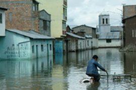 От Боливии стихия пока не отступает