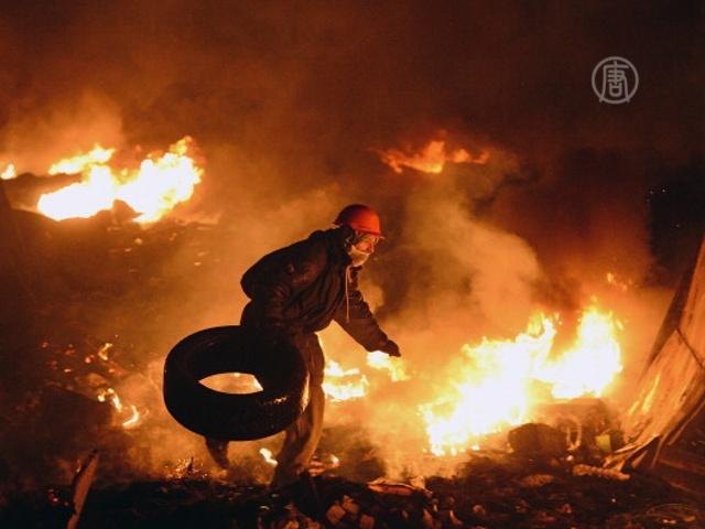 В центре Киева не удается сохранить перемирие