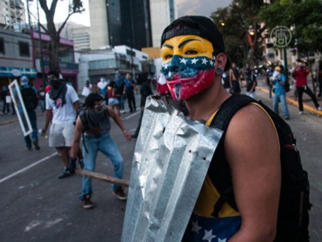 Карнавальный сезон не усмирил протесты в Венесуэле