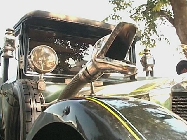Винтажные авто выставили в Индии