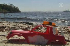 Перед Олимпиадой-2016 Бразилия «плавает» в мусоре