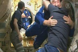 Экипаж «Союза ТМА-12М» перешёл на борт МКС