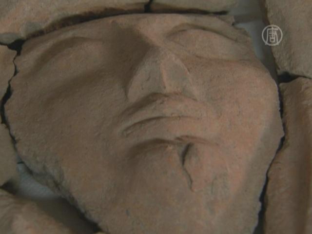 В Израиле нашли саркофаг с человеческим лицом