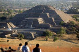 Пирамиде Солнца в Мексике угрожает разрушение