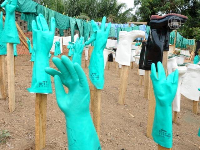 В Гвинее хотят остановить Эболу с помощью гигиены