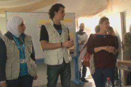 Орландо Блум посетил сирийских беженцев в Заатари