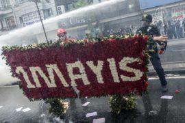 Стамбул охватили «первомайские» протесты