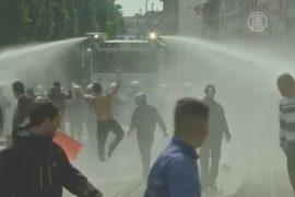 Антисемитский митинг в Бельгии разогнали водомётом