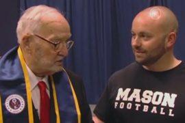 90-летний выпускник в США получил диплом