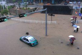 Число жертв наводнения в Китае возросло до 19