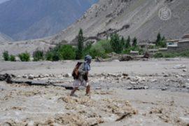 На севере Афганистана люди гибнут от наводнения