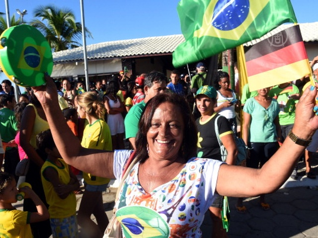 Бразильцы готовы встречать Кубок мира по футболу