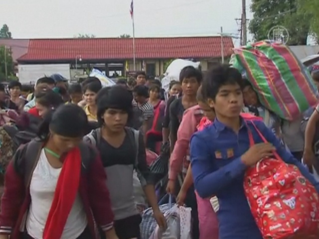 Камбоджийцы бегут из Таиланда