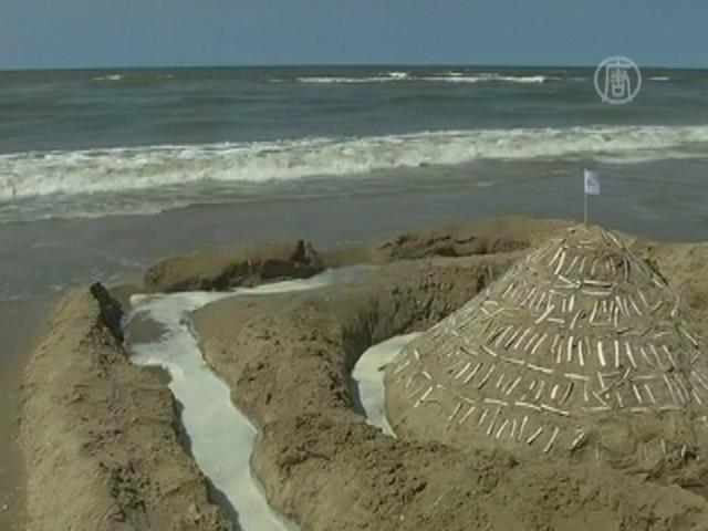 Дети в Голландии строят песочные замки на скорость