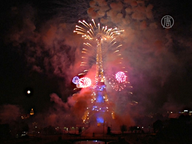 Париж: парад и фейерверк в День взятия Бастилии
