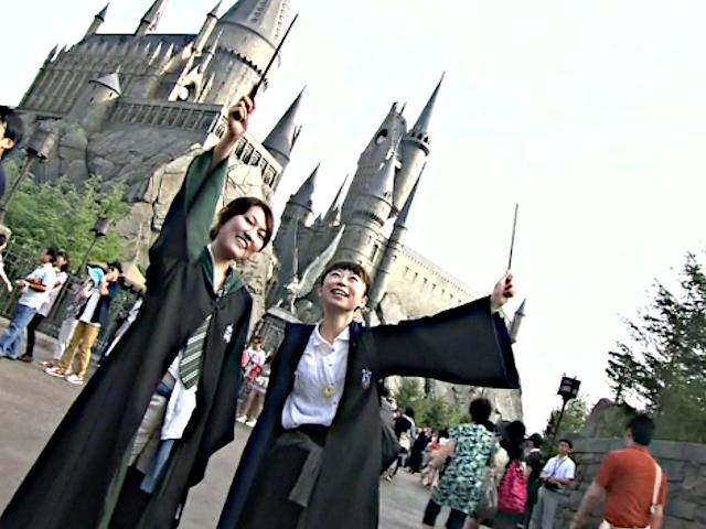 Открытия парка Гарри Поттера ждали всю ночь