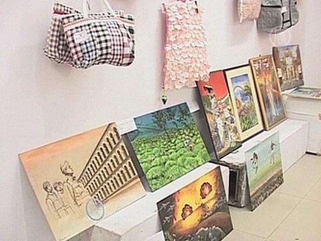 Немые и глухие показали свое творчество в Индии
