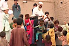 Пакистанец с 3 женами и 36 детьми бежал от боёв